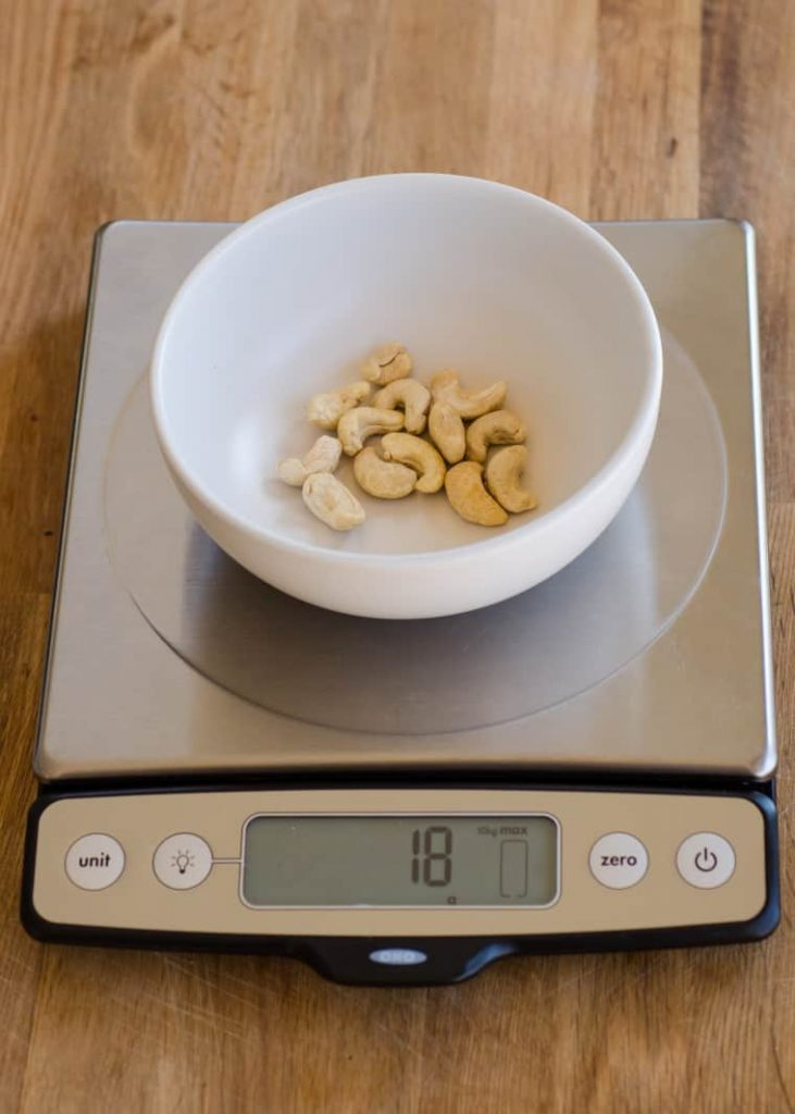 How much calories in cashews