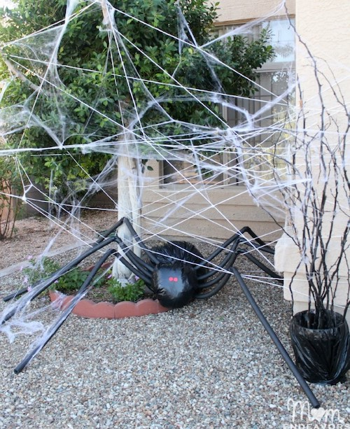 Giant trash bag spider halloween decoration for outdoor